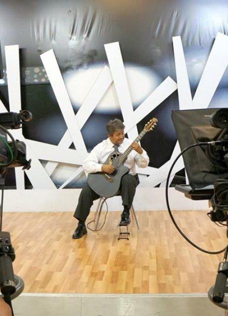 musica-con-guitarra-clasica-en-cancun